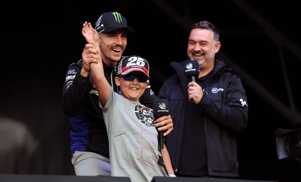 Vinales and a young fan on the stage