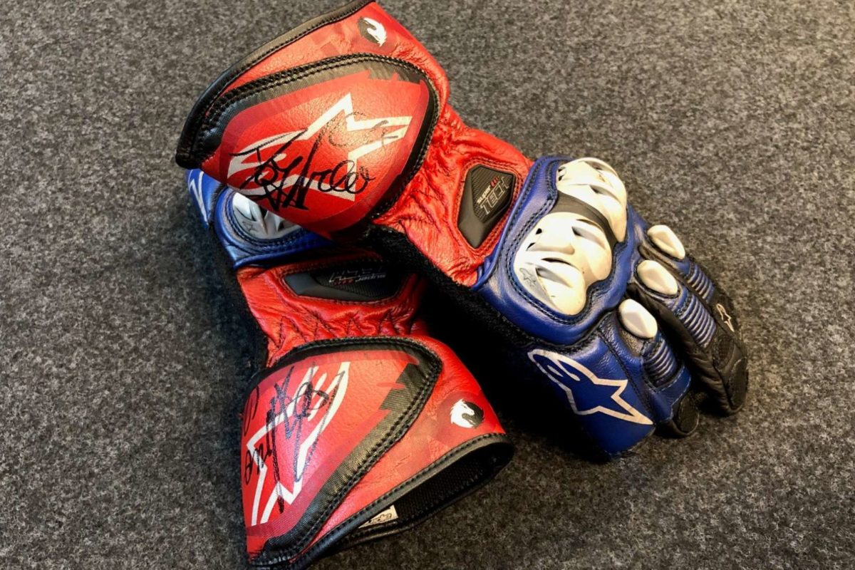 Andrea Dovizioso - Signed gloves